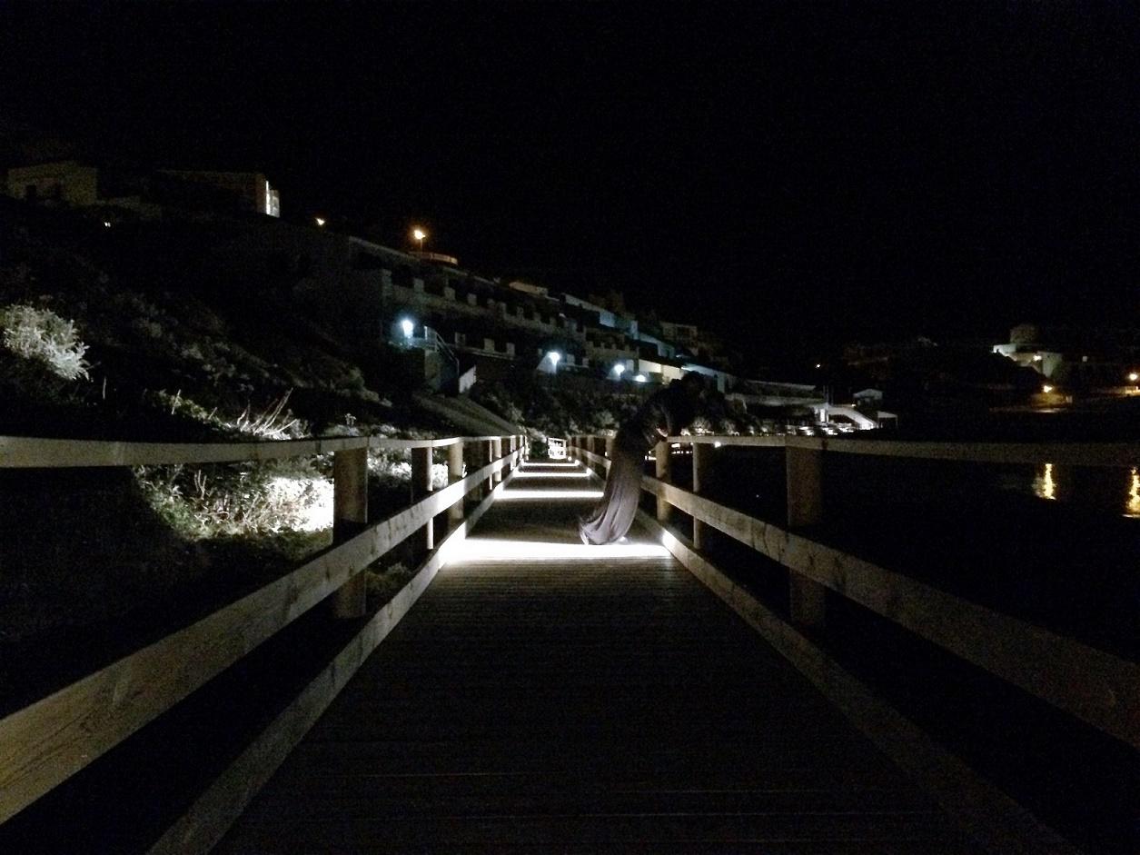 Deptak nocą na Minorce